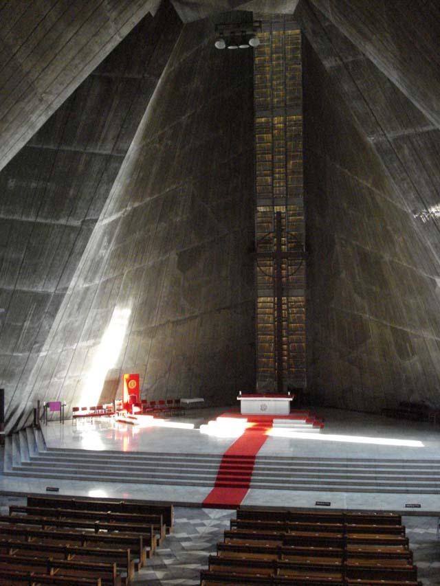 Mascioni organ St Maria Cathedral Tokyo, Dec 2008